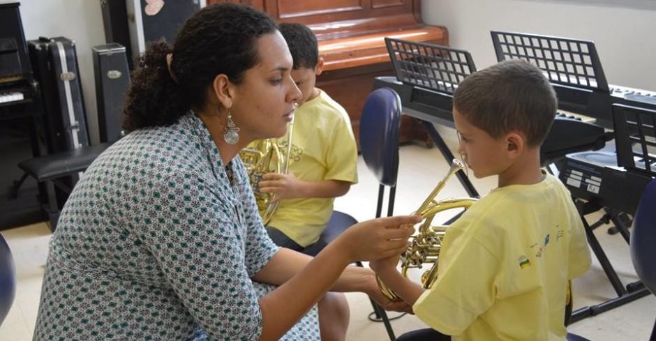 A Escola de Música da Rocinha está com vagas abertas.
